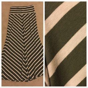 Mossimo EUC Maxi Skirt Size Medium